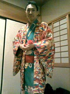 和歌山でたま兄さんの落語会。兄さんは地味な(!)着物でした。講談の旭堂南舟君が手伝いに来てました。