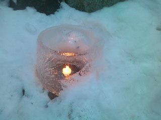 長野県鹿教湯(かけゆ)温泉にて。「氷灯籠夢祈願」という催しをやってはりました。