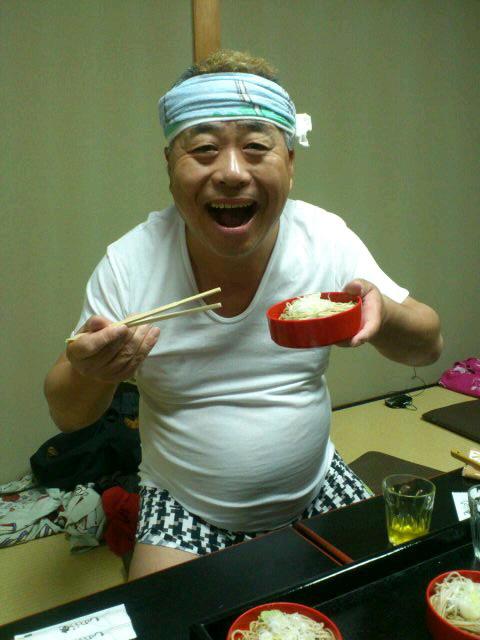 蕎麦を食べる文福師匠!今日はありがとうございました!