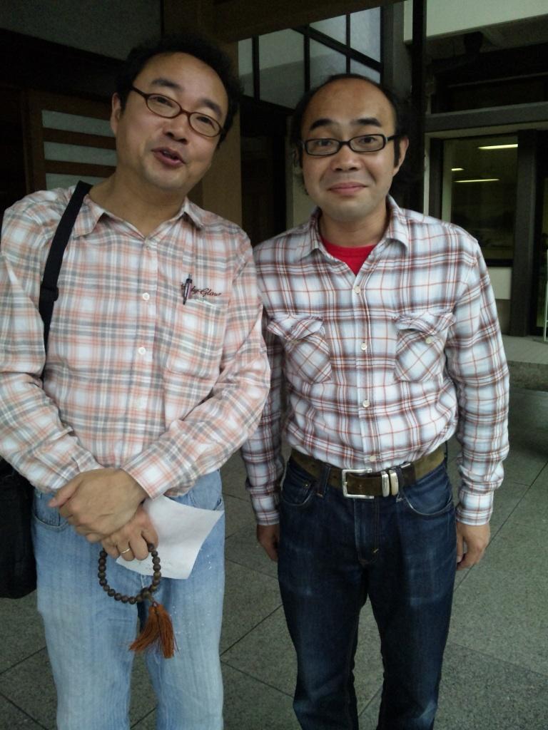 演芸幕内ばなし。左・桂福車兄さん。右・華井二等兵さん。似ておられます。。。