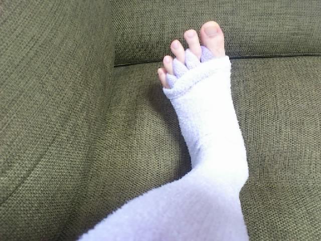 CMでやってる「足指セラピー」買ってみました。予想以上に気持ちいいです☆OLさんのブログっぽいですね